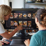 StockFood Studios_Behind the Scence1_Anna Spiegler (left) selecting images_lowres-1